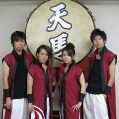 和太鼓衣装は、格好良さと動きやすさを重視して