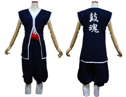 太鼓衣装の制作事例は、ベスト型半天の大信こだま太鼓さんです。Vネックベスト型半天と裾しぼりパンツ+脚絆付き、ソフト帯、ハチマキを制作しました。