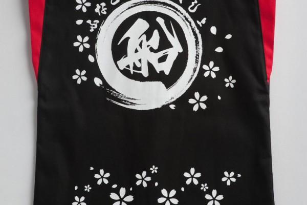 既製ハッピにロゴマークをプリント。桜の散るデザイン画かわいい!