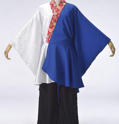 和柄の衿がアクセントになり、プリントなしでも華やかな半天。